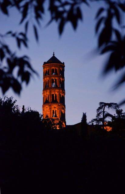 Visite guidée nocturne insolite par VAH ville d'Uzès Tour fénestrelle